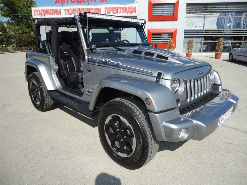 Jeep Wrangler - image 14