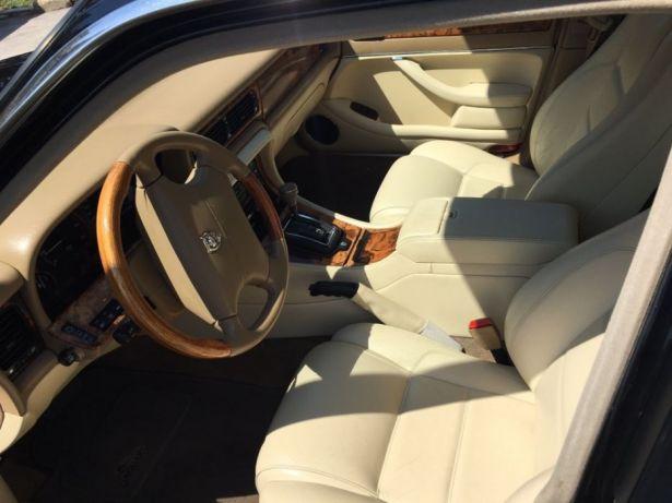 Jaguar XJ6 - image 4