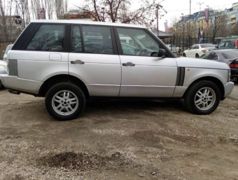 Land Rover Range Rover - image 4