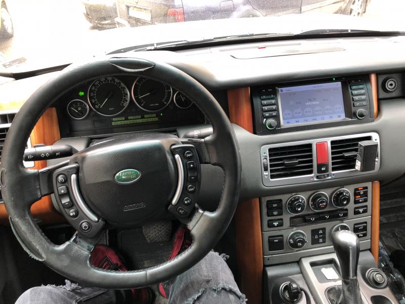 Land Rover Range Rover - image 8