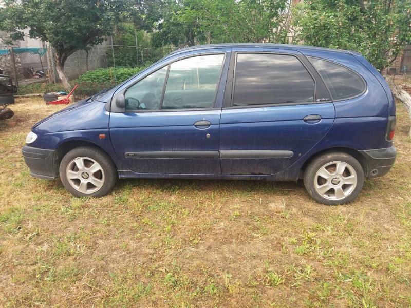 Renault Scenic - image 10