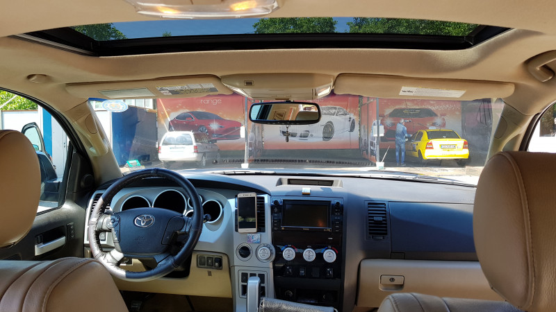 Toyota 4-Runner - image 7