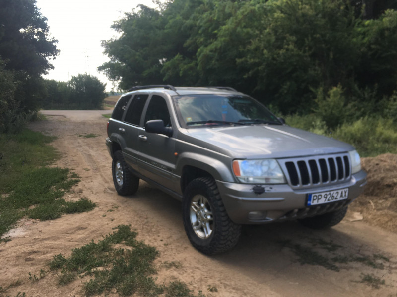 Jeep Grand Cherokee - image 13
