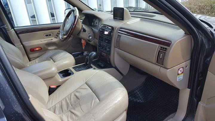 Jeep Grand Cherokee - image 9