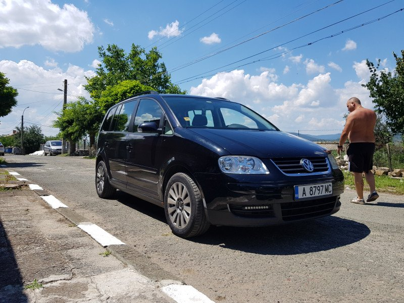 VW Touran - image 1