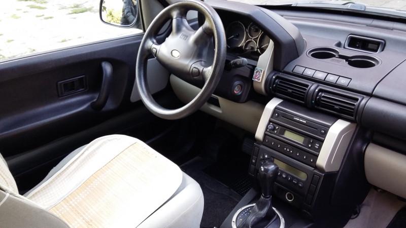 Land Rover Freelander - image 8