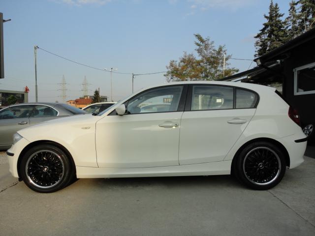 BMW 118 - image 2