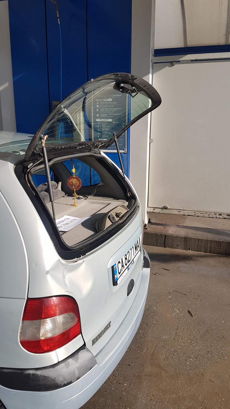 Renault Scenic - image 8