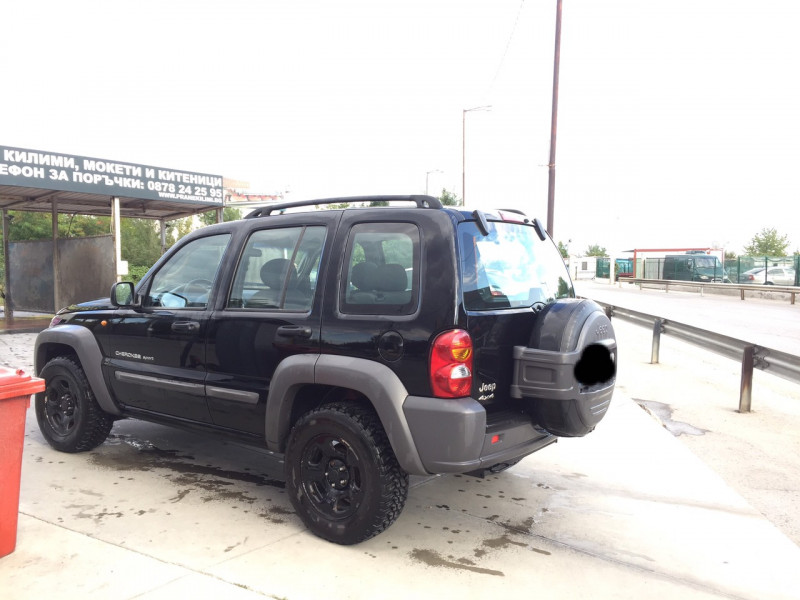 Jeep Cherokee - image 2