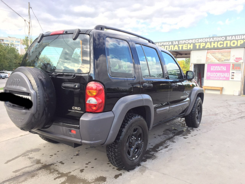 Jeep Cherokee - image 3