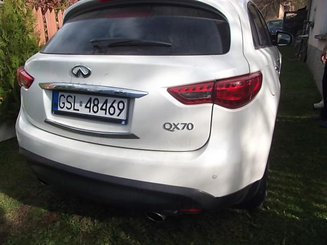 Infiniti QX70 - image 6