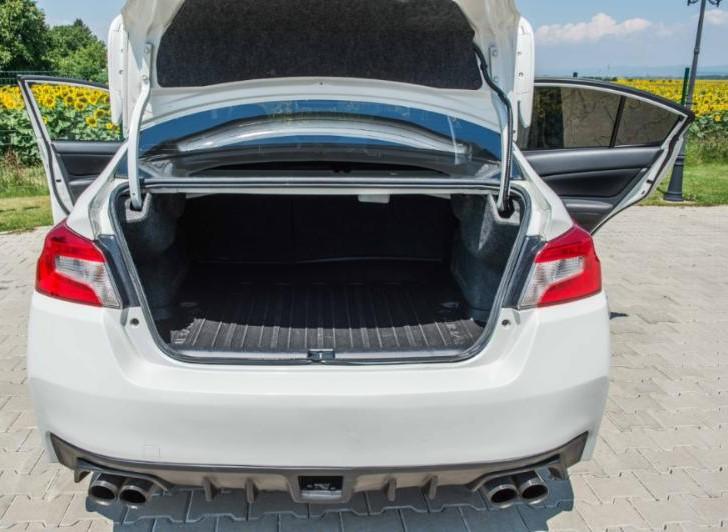 Subaru Impreza - image 13