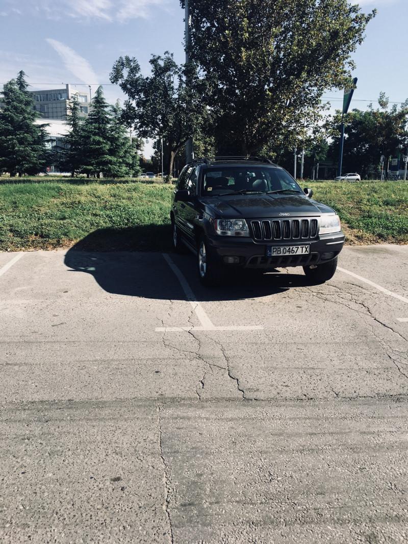 Jeep Grand Cherokee - image 12