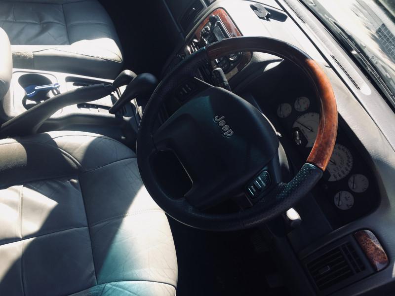 Jeep Grand Cherokee - image 6