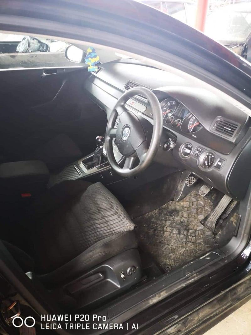 VW Passat - image 4