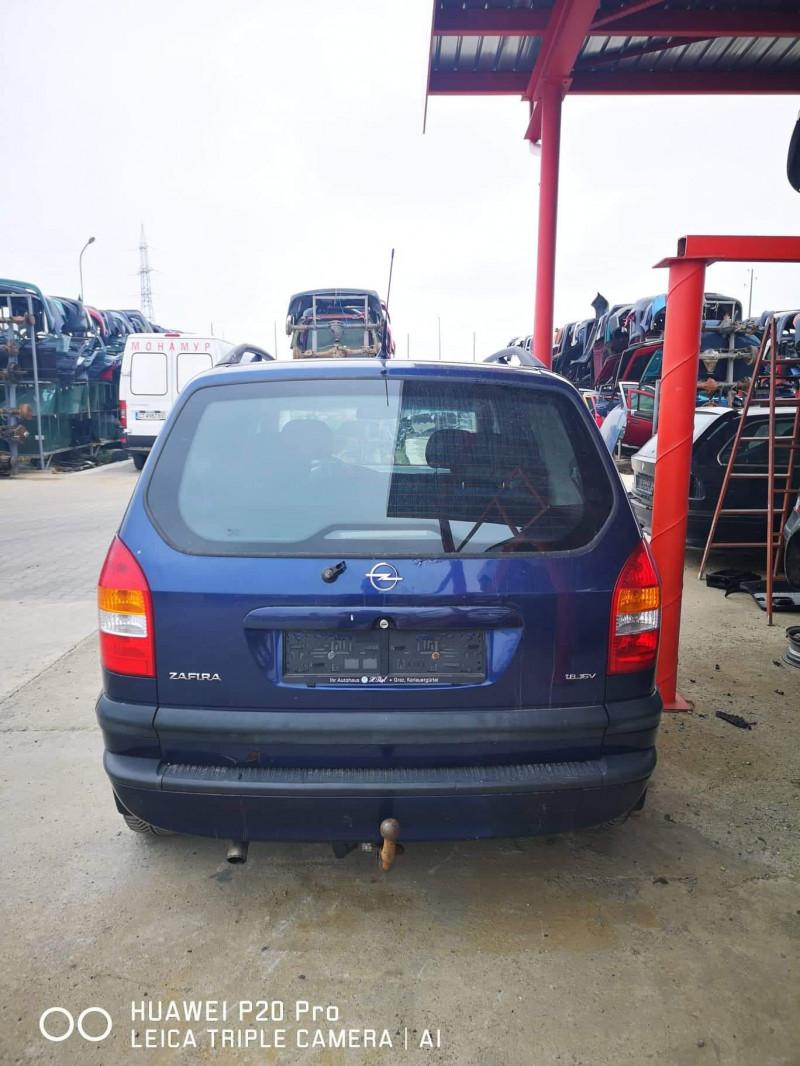Opel Zafira - image 8