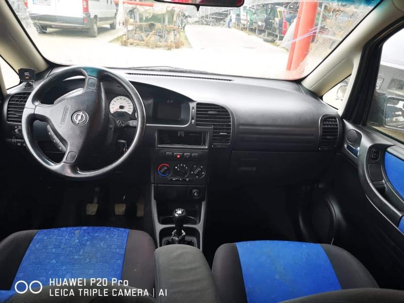 Opel Zafira - image 4