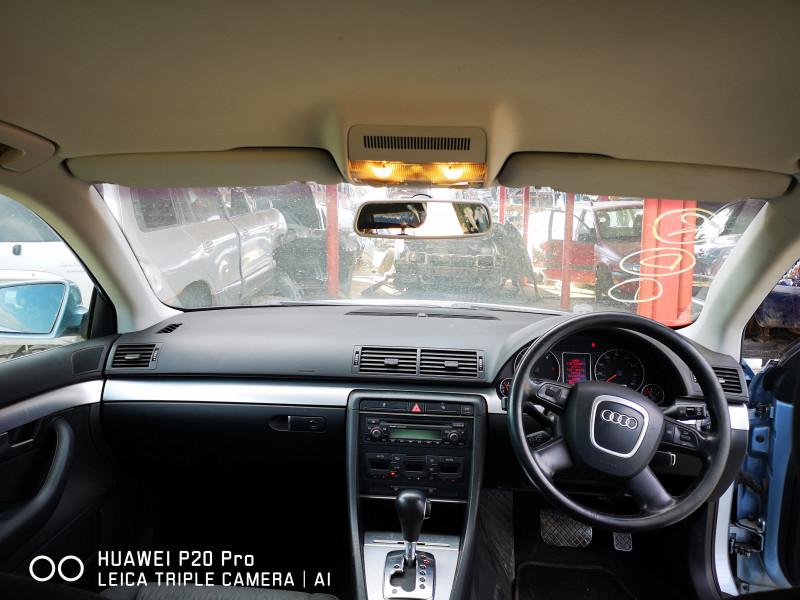 Audi A4 - image 7