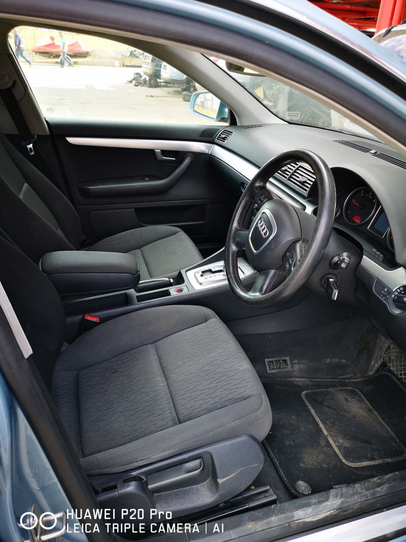 Audi A4 - image 6