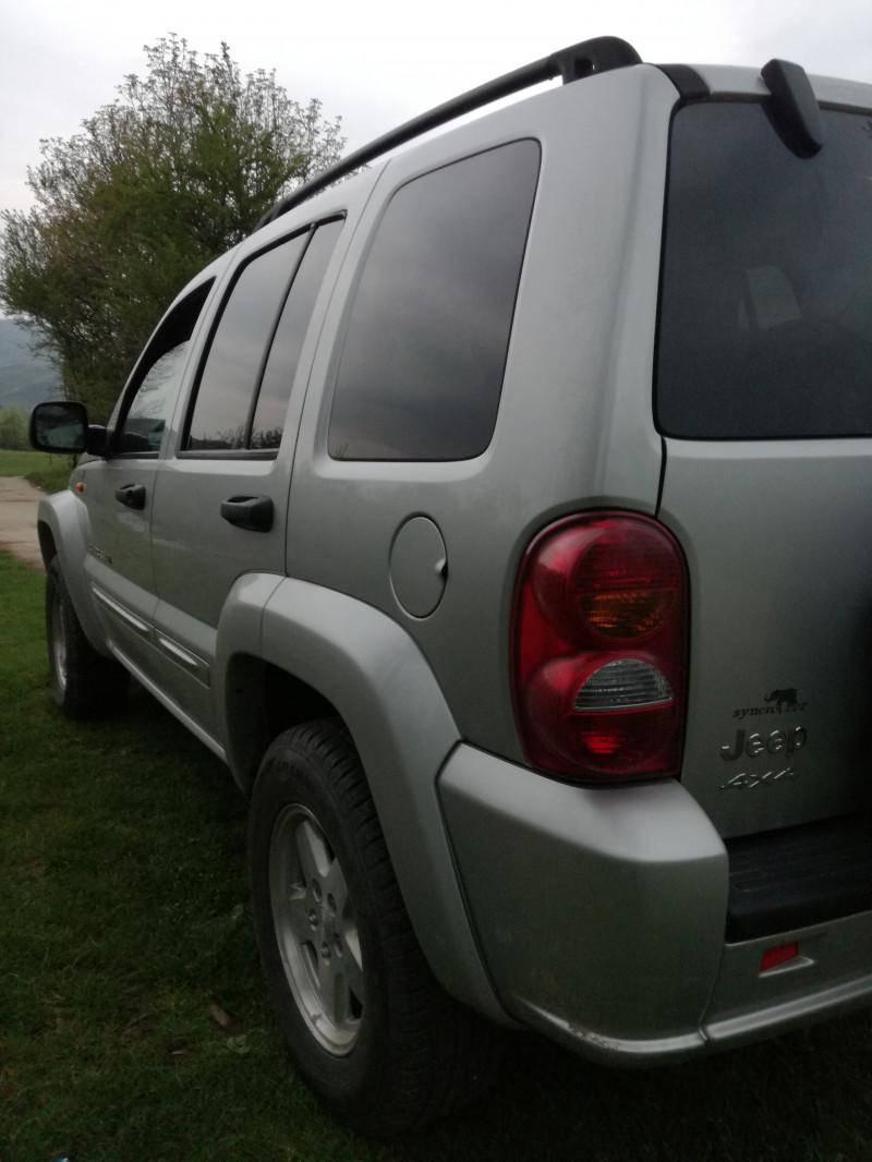 Jeep Cherokee - image 6