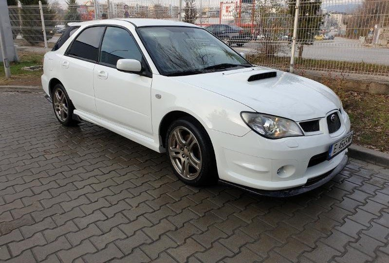 Subaru Impreza - image 2