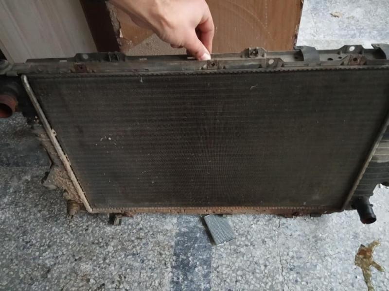 охладителен воденрадиаторза audi a6 c4 2.8 v6 174 к.с