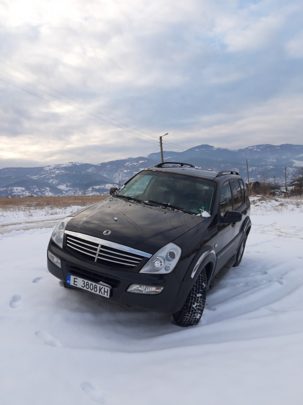 Ssangyong Rexton - image 1
