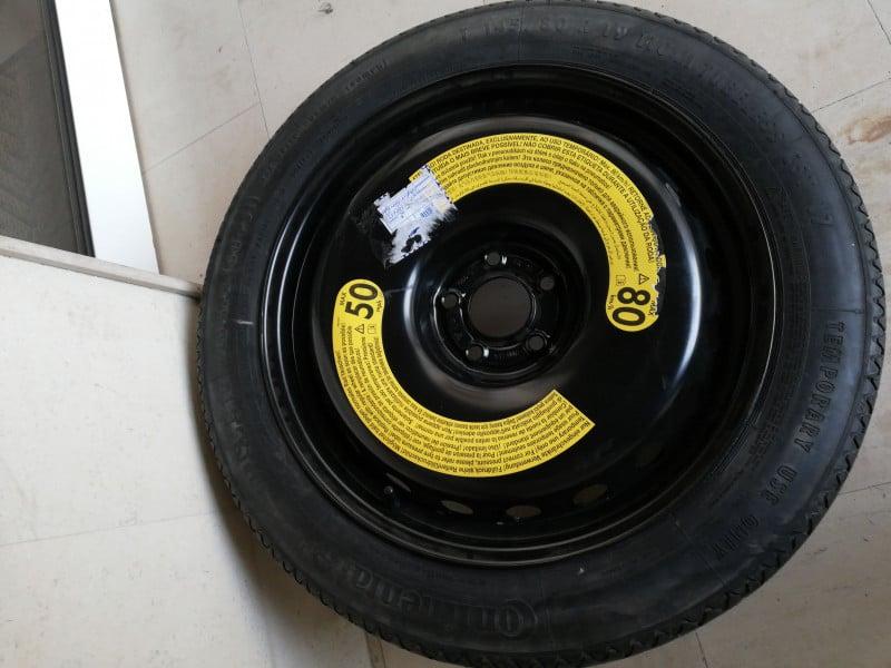 """Резервна гума с джанта """"патерица"""""""