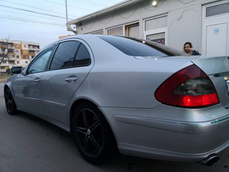 Mercedes-Benz Е 320 - image 8