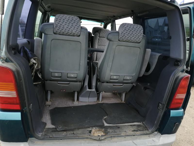 3- Mercedes-Benz V 230