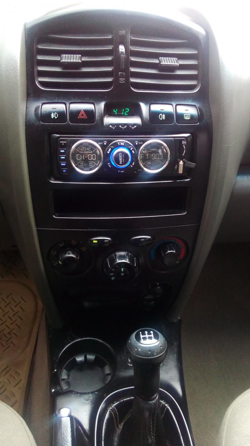 Hyundai Santa Fe - image 9