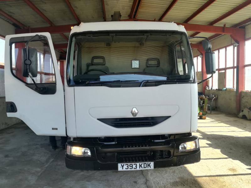 13- Renault Midlum