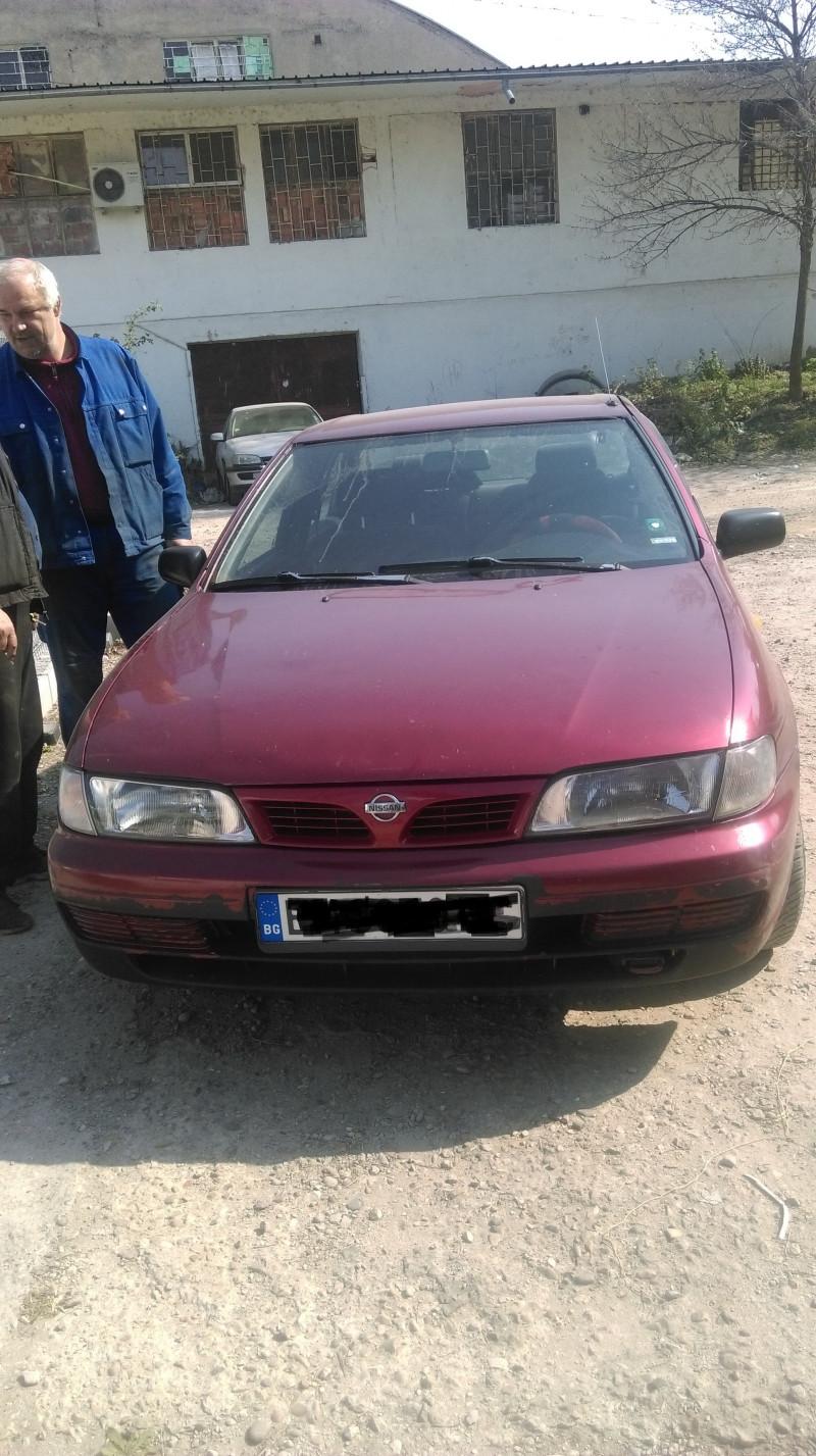 Nissan Almera - image 1