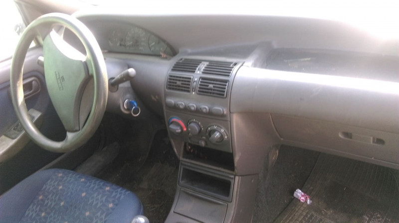 Fiat Punto - image 5