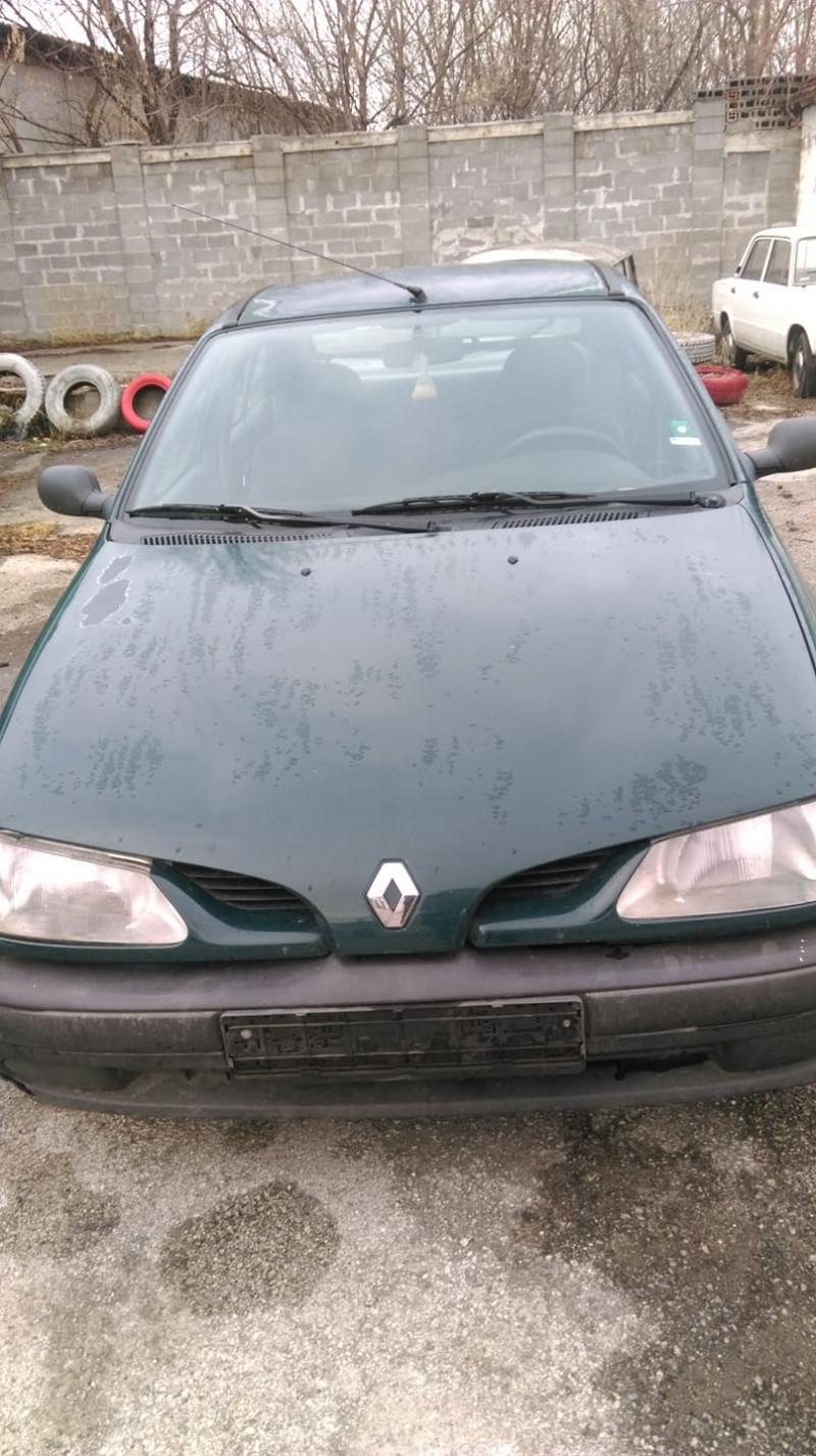 Renault Megane - image 1