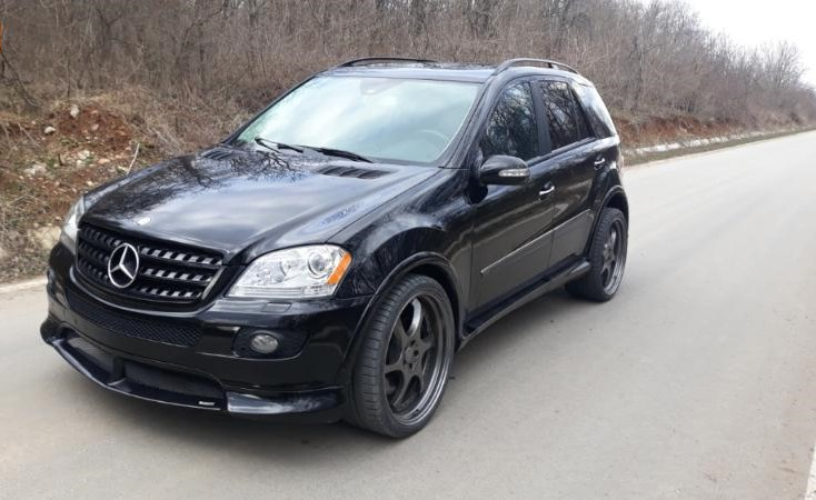 Mercedes-Benz ML 500 - image 2