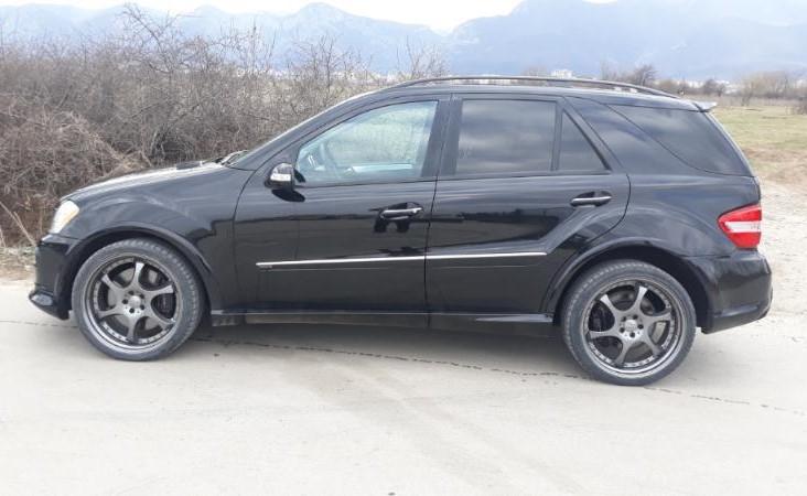 Mercedes-Benz ML 500 - image 6