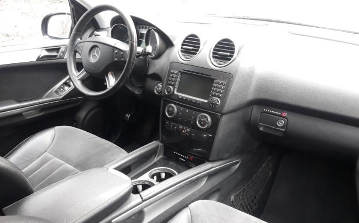Mercedes-Benz ML 500 - image 12