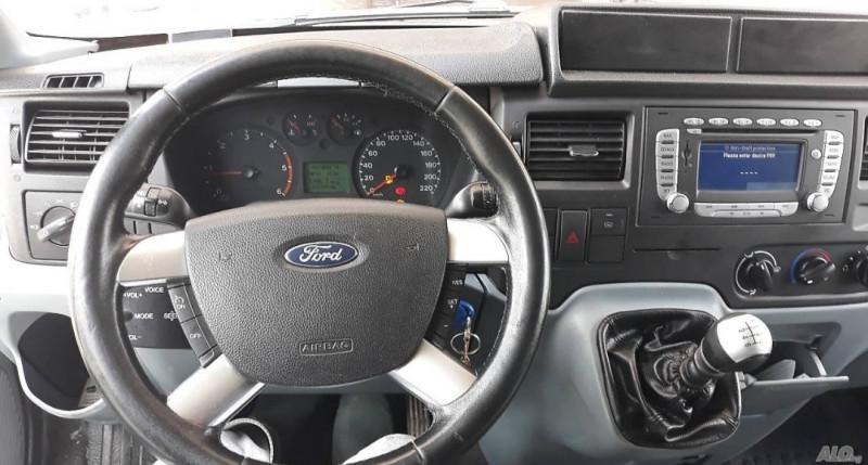 6- Ford Tranisit