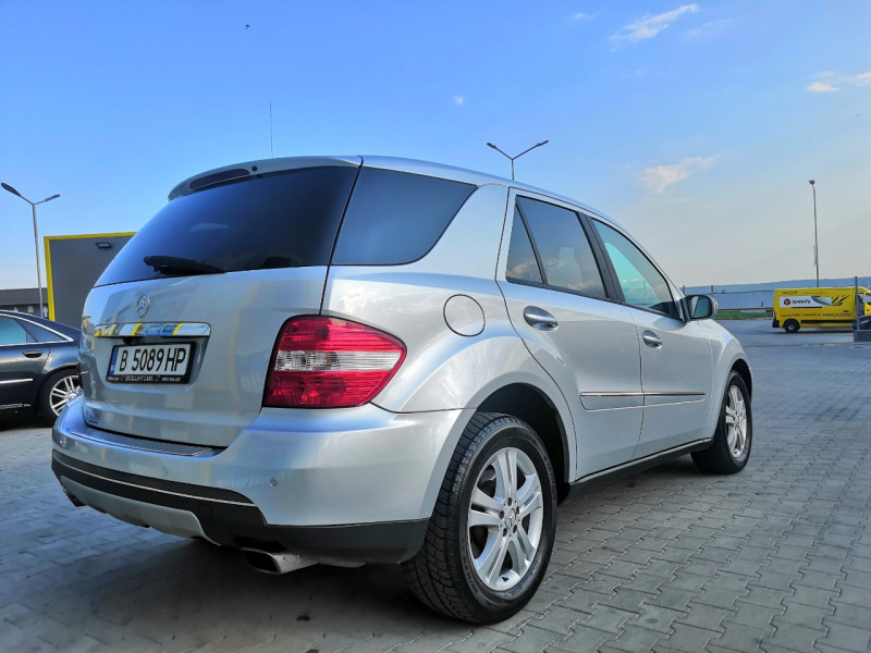 Mercedes-Benz ML 320 - image 2