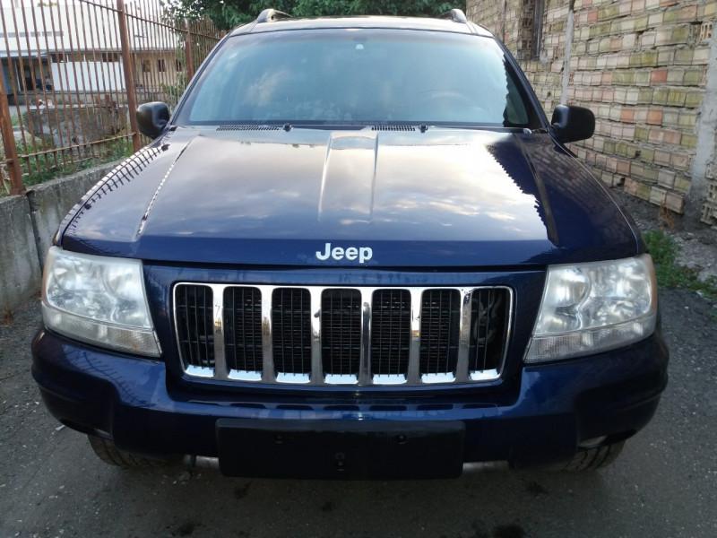 Jeep Grand Cherokee - image 1