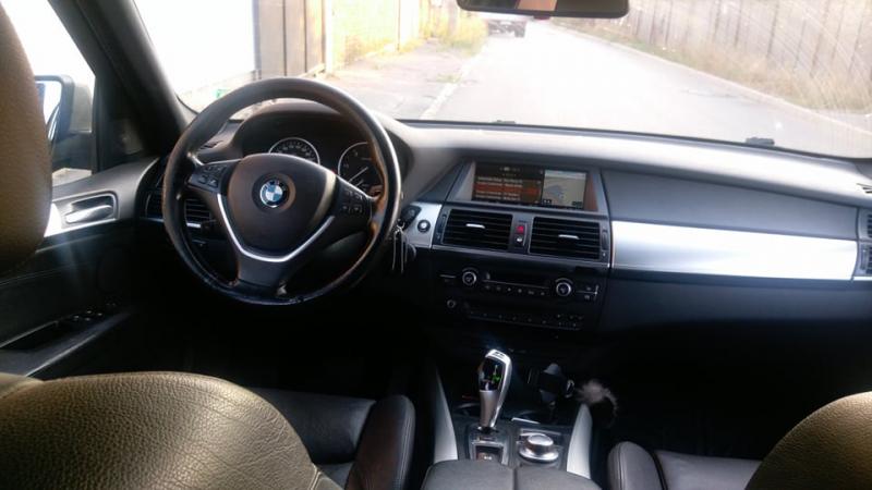 BMW X5 - image 7