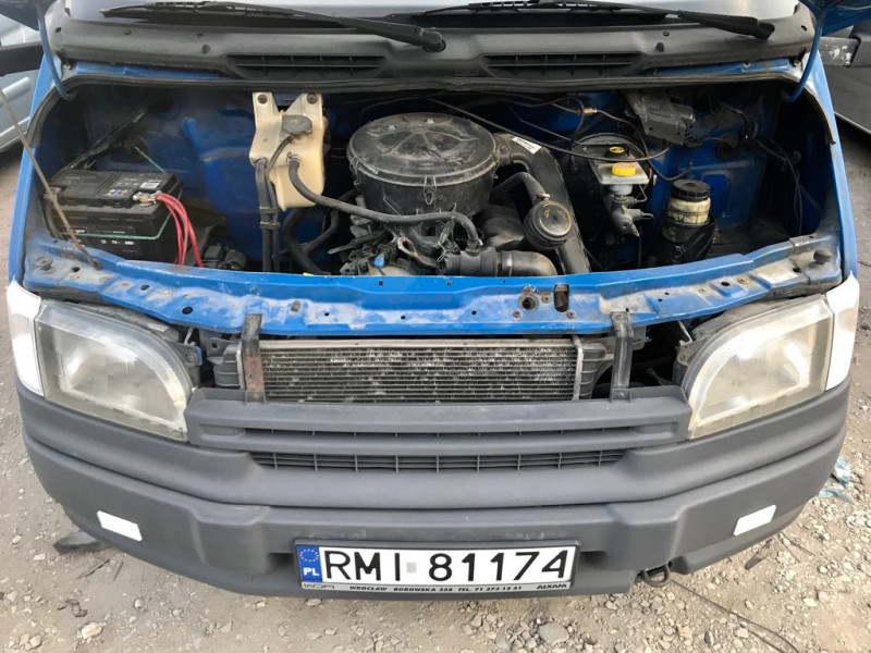 12- Ford Tranisit