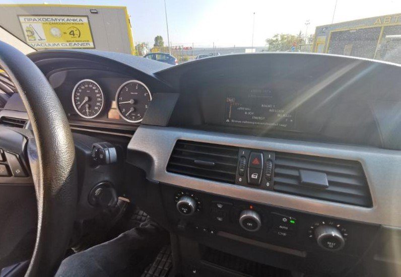 BMW 530 - image 11