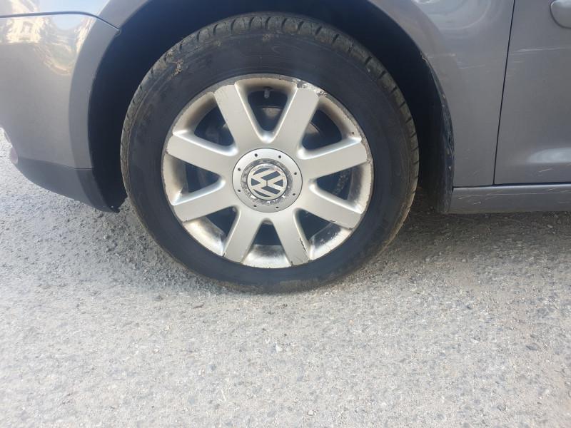 VW Touran - image 8