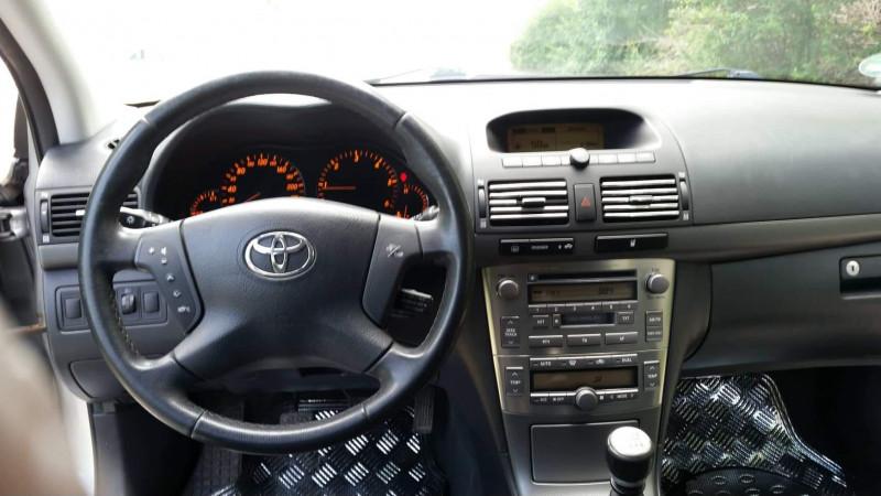 Toyota Avensis - image 7