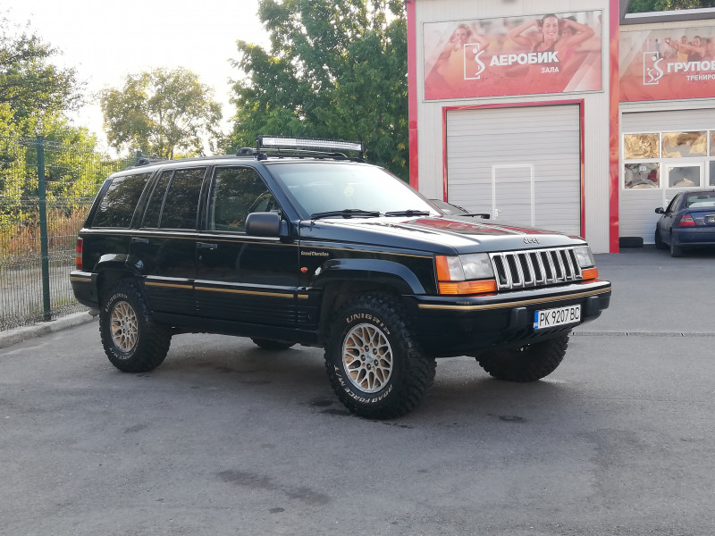 Jeep Grand Cherokee - image 3