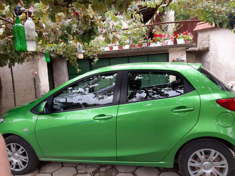 Mazda 2 - image 6