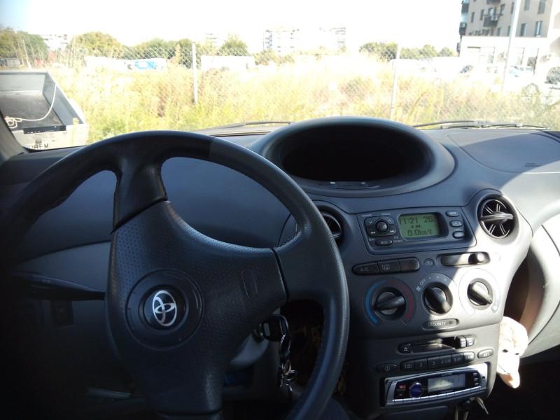 Toyota Yaris - image 5