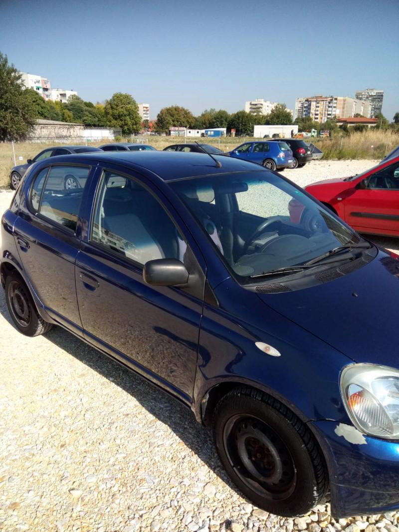 Toyota Yaris - image 3